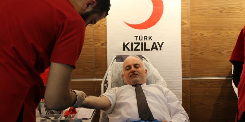 Türk Kızılay, stoktaki azalma nedeniyle kan bağışı bekliyor