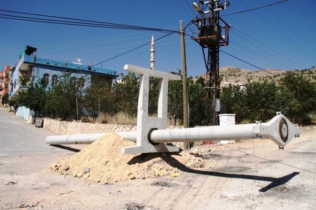 Yeşilli'de Elektrik Direkleri ve Trafolar Yenileniyor