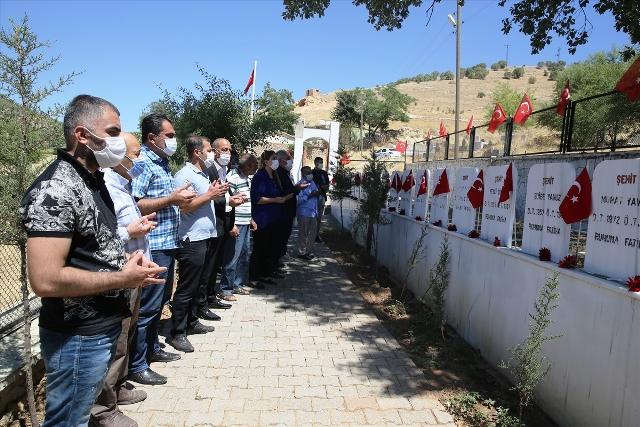 Pınarcık'ta 34 yıl önce PKK'lı teröristlerce katledilen 30 kişinin acısı unutulmuyor