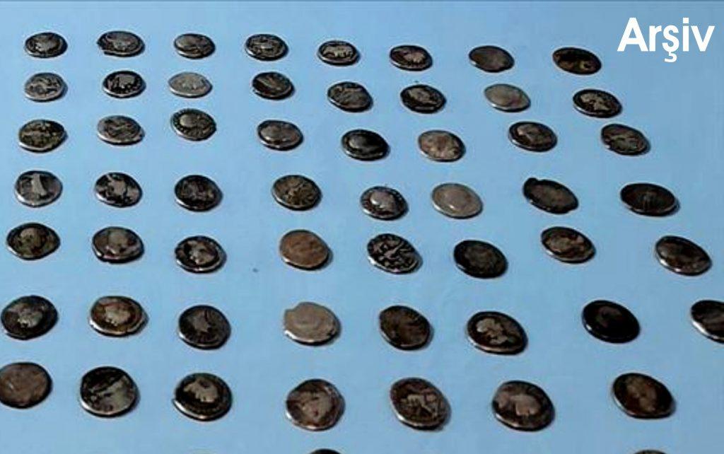 Helenistik ve Roma dönemlerine  ait obje ve gümüş sikke ele geçirildi