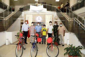 Kızıltepe'de LGS'de İlk Üçe Giren Öğrenciler ödüllendirildi