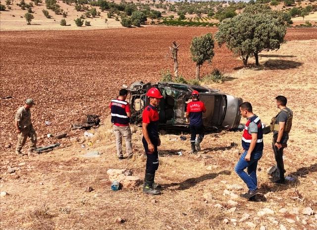Şarampole devrilen otomobildeki iki asker hayatını kaybetti