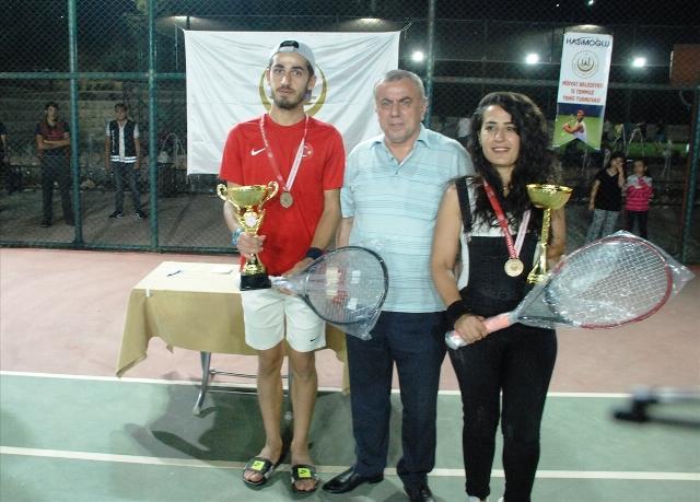 Midyat Belediyesinin düzenlediği 15 Temmuz  Demokrasi ve Milli Birlik Tenis Turnuvası sona erdi